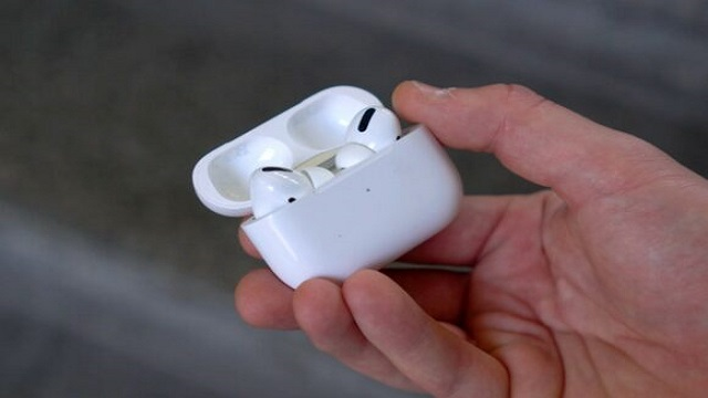 AirPods 3 Same design as AirPods Pro